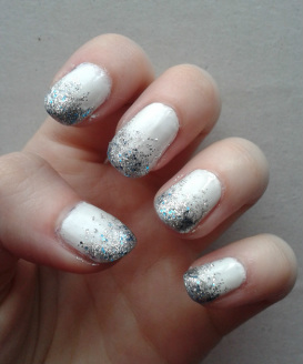 Christmas Nails Gradient Glitter Nail Paint Art